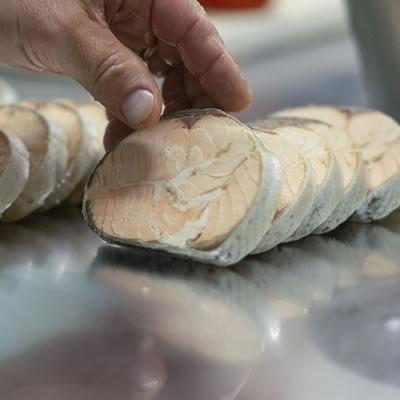 Les fins gourmets_terrine de poisson_buffet_réception-entrée