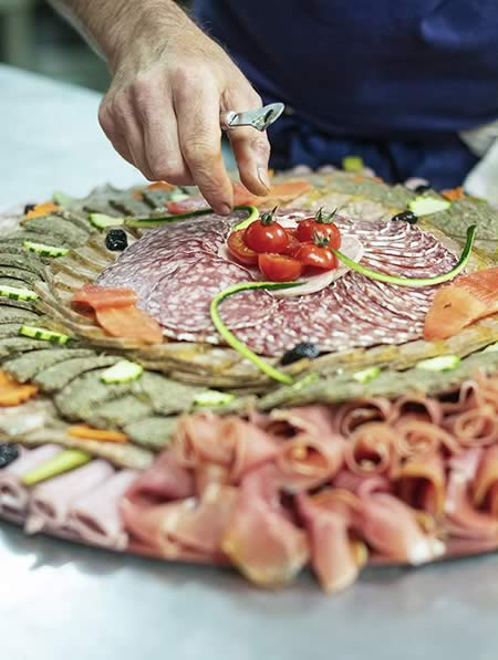 Les fins gourmets_charcuterie_caillette_jambon_saucisson